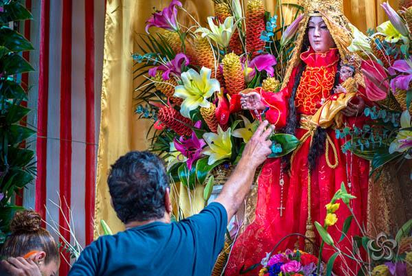 Devoción a la Virgen del Rosario.