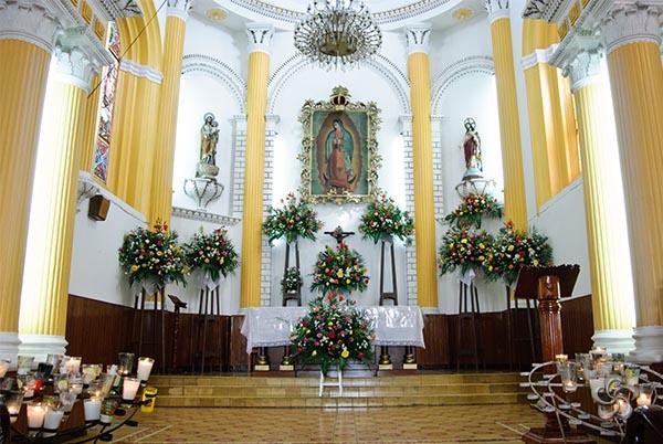 Altar principal virgen de guadalupe comitan