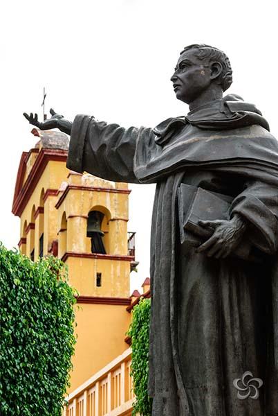 estatua de fray matias
